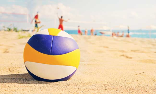 GETUIGENIS: Bye zaalvolleybal door blessure, welkom beachvolleybal door training!